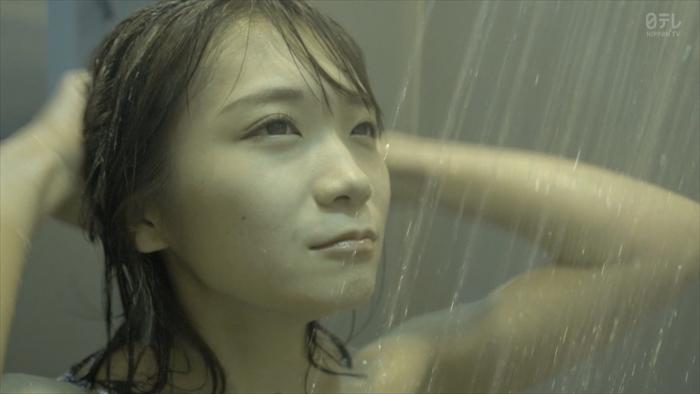 秋元真夏のシャワーシーンお宝エロ画像