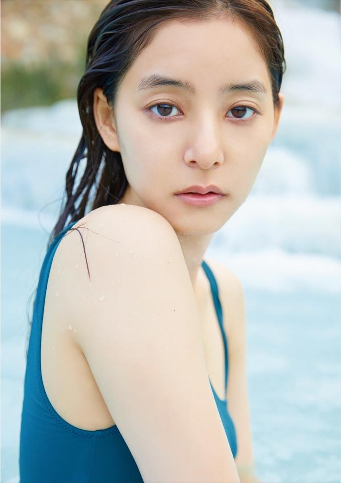 新木優子の水着姿エロ画像