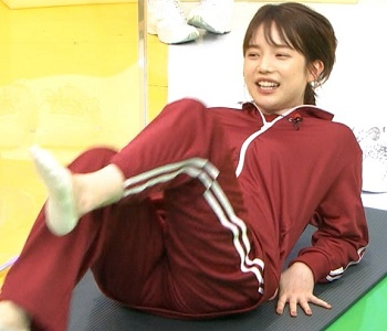 弘中綾香のおっぱいカップ数とスリーサイズ
