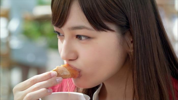 川口春奈のフェラ顔エロ画像