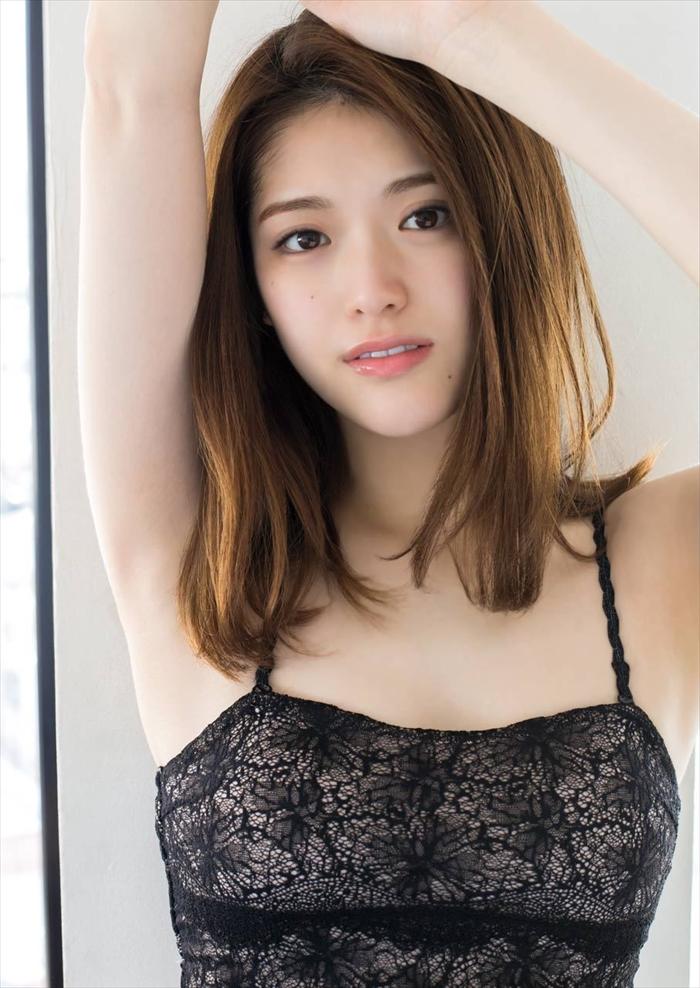 路上キス女の松村沙友理の変態エロ画像