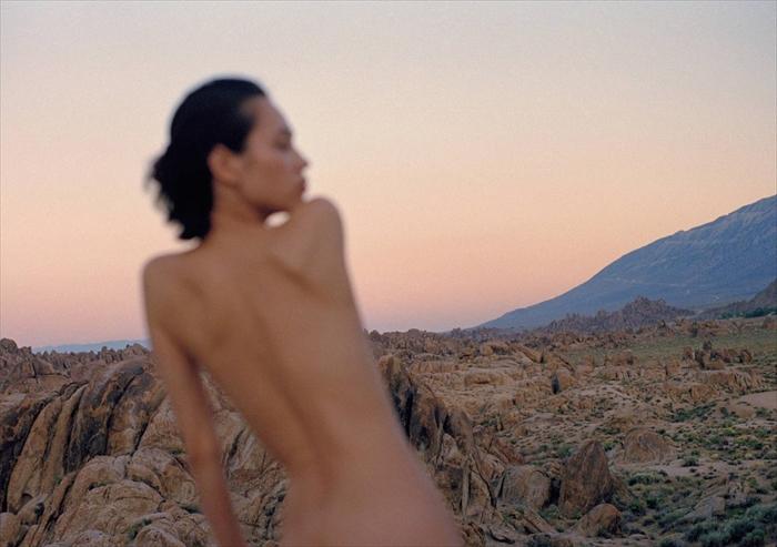 水原希子の最新写真集夢の続き Dream Blueお尻ヌードエロ画像