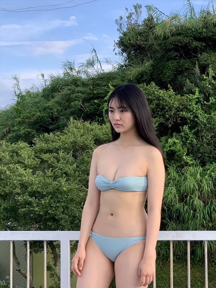 豊田ルナの水着姿エロ画像3